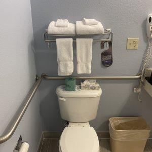 106-bathroom
